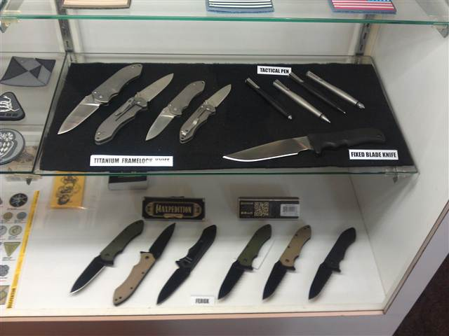 maxpedition tactical knives and pens